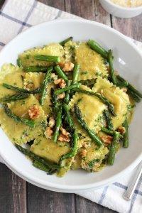 ravioli met groene aspergetips